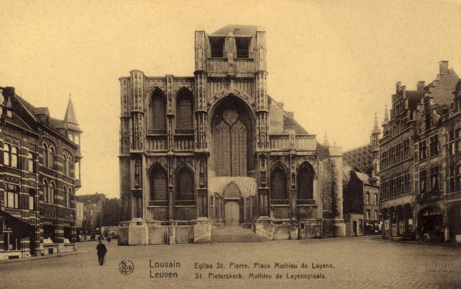 Louvain - Eglise St-Pierre, Place Mathieu de Layens