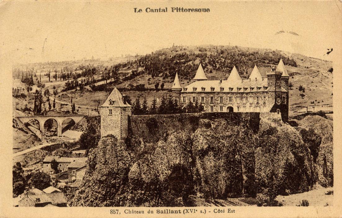 Sailhant - Le Château. Coté Est.