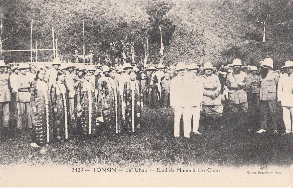 -  LAI CHAU - Raid de Hanoi à Lai-Chau Raid aérien aviation Indochine Dieulefils