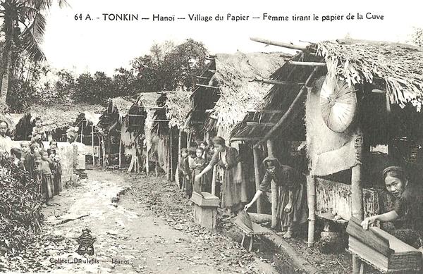 Hanoï - Tonkin-Hanoï-Femmes tirant le papier de la cuve