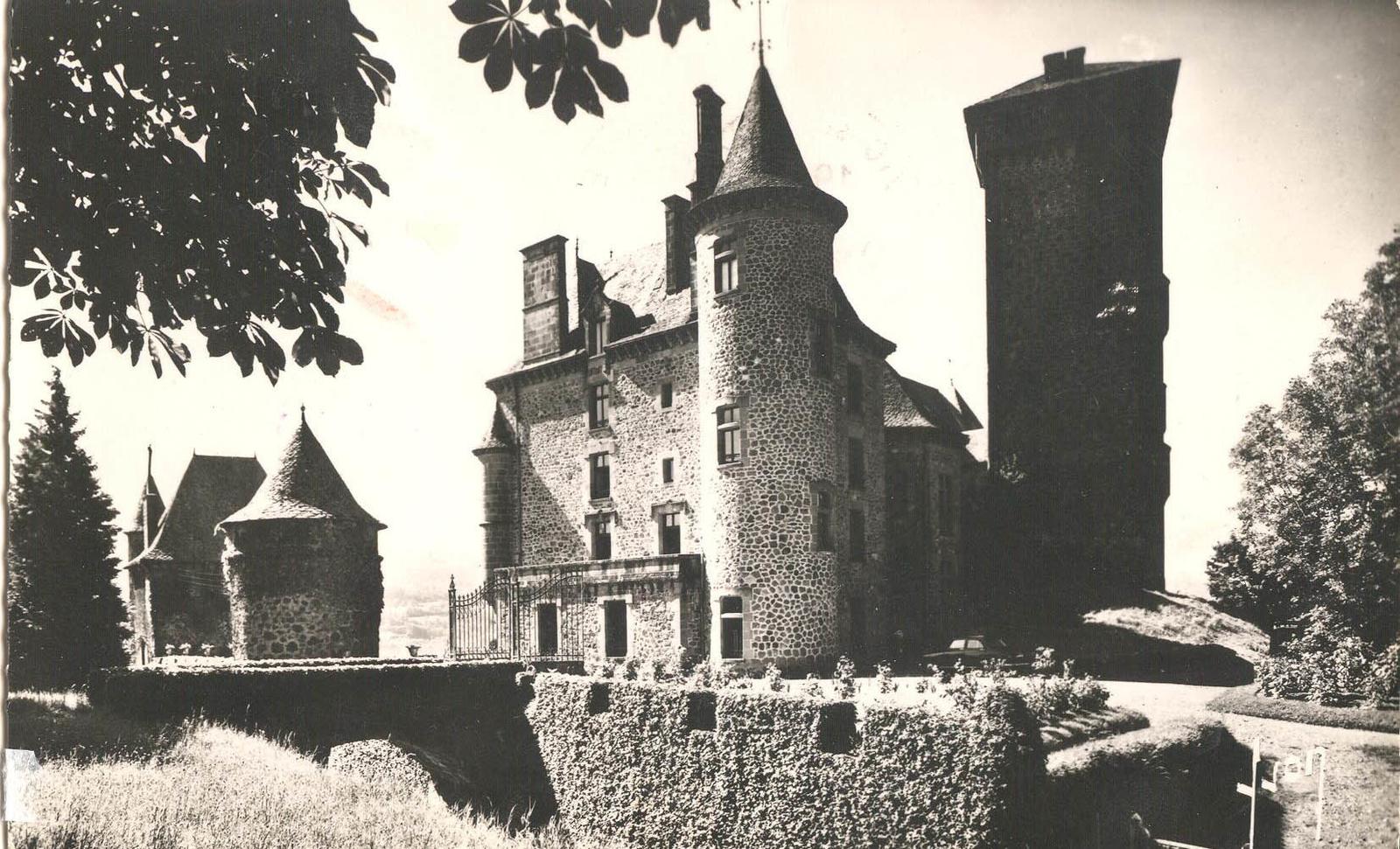 Polminhac - chateau de Pesteils