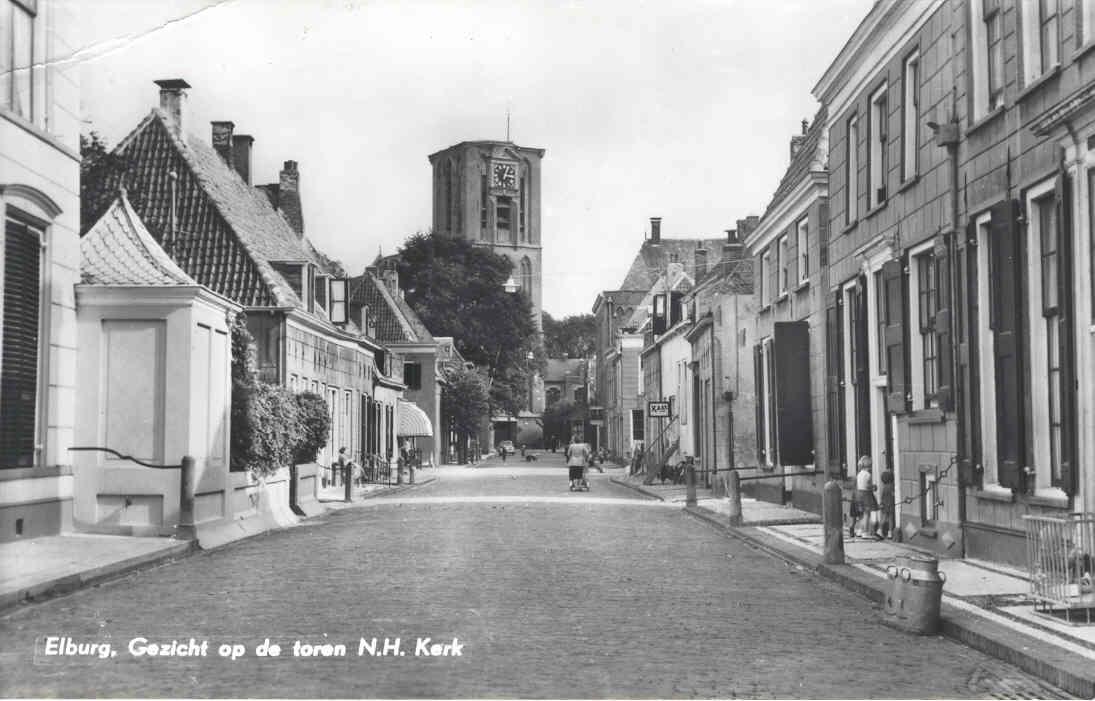 Elburg - Gezicht op toren Kerk, 1973, maar ws veel eerder