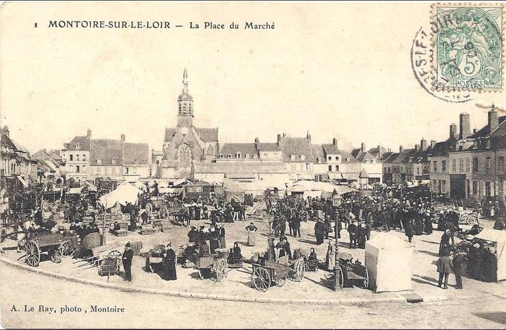 Montoire-sur-le-Loir - MONTOIRE La place du marché