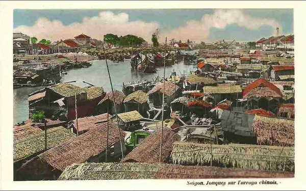 Saigon - jonques sur l arroyo chinois