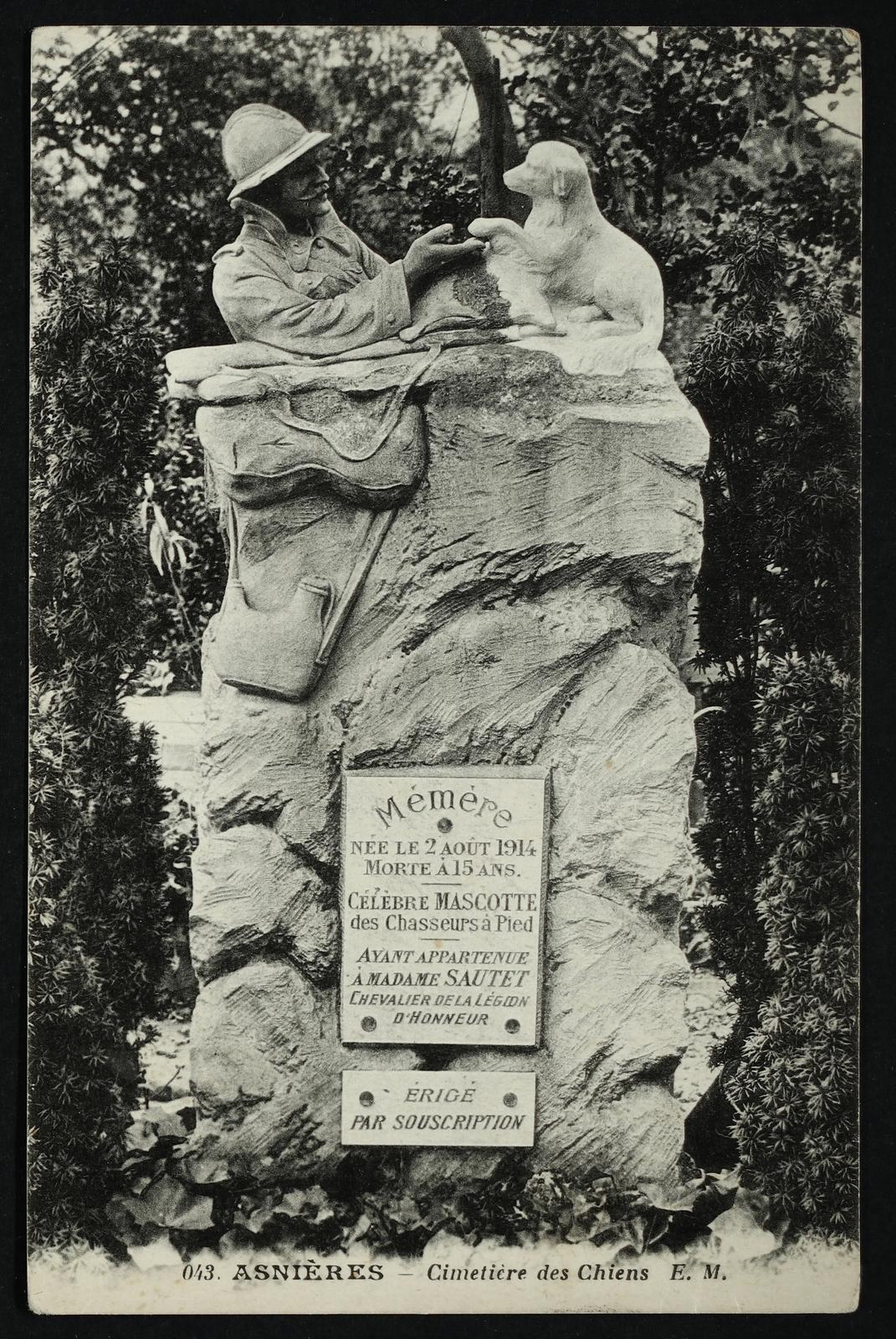 Asnières-sur-Seine -  [Tombe de Mémère] Cimetière des Chiens