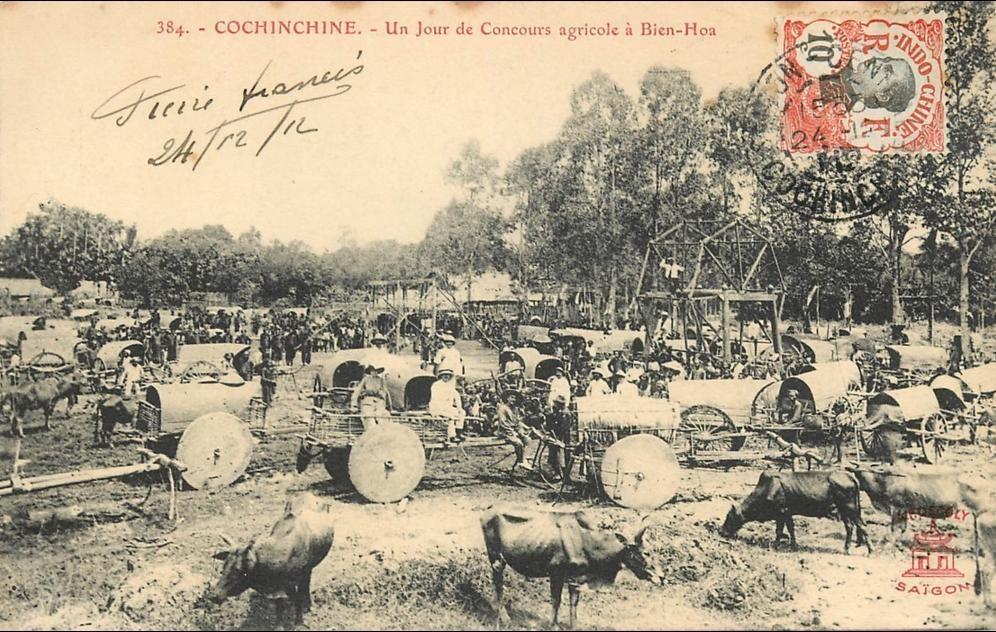 -  VIET NAM . COCHINCHINE . UN JOUR DE CONCOURS AGRICOLE A BIEN HOA . CPA ANIMEE . 1912 .