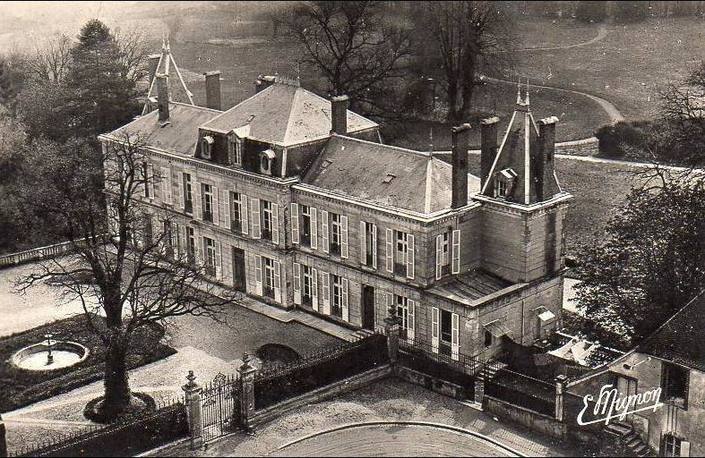 Brienon Sur Armancon 89 Brienon Sur L Armencon Le Chateau Carte Postale Ancienne Et Vue D Hier Et Aujourd Hui Geneanet