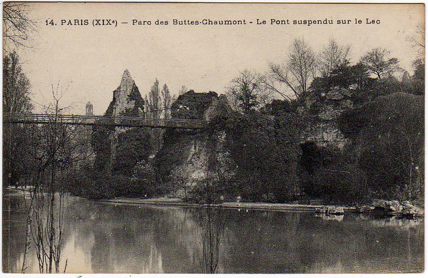 Paris - Paris (XIXe) - Parc des Buttes-Chaumont - Le Pont suspendu sur le Lac