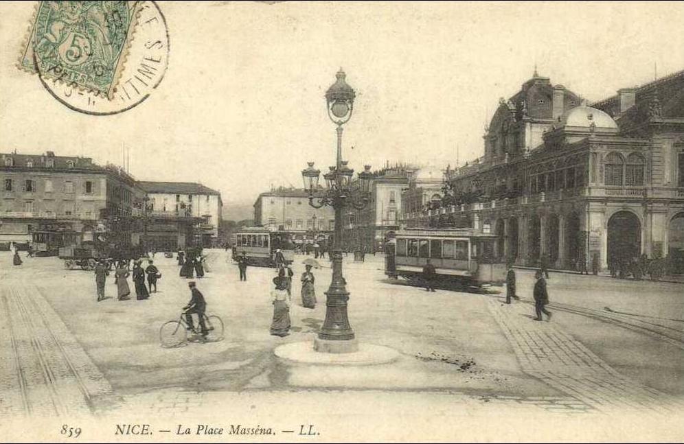 Nice -  NICE La Place Massena Trams Bon plan