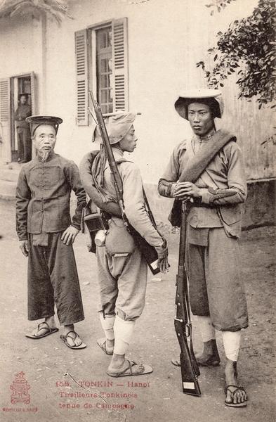Hanoï - TONKIN-Hanoï-Tirailleurs Tonkinois tenue de campagne