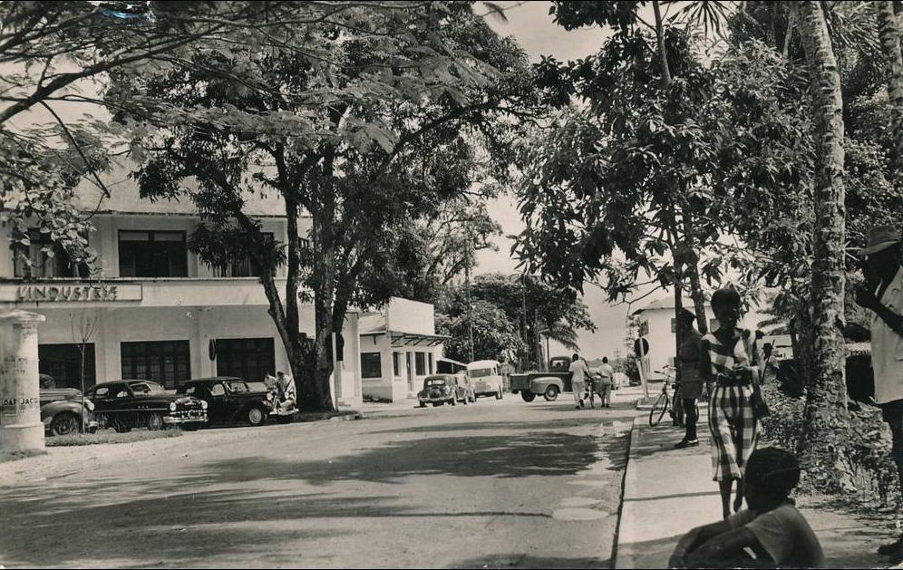 Douala -  AFRIQUE - CAMEROUN - DOUALA - Place de la Poste