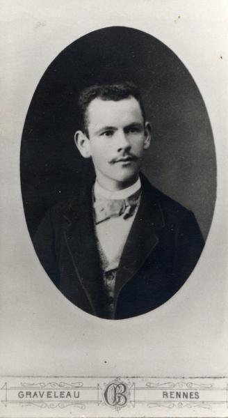 Portrait d'Amateur Duval. Photographie Graveleau à Rennes